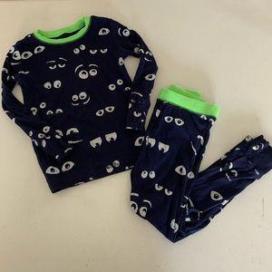 Gap kids boys size 6 glow in the dark pajamas